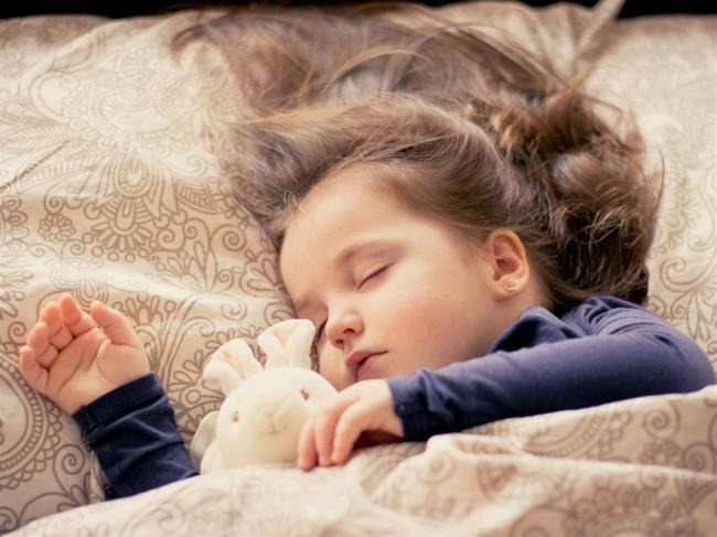 A sleep expert has been sharing tips to help children go to sleep at bedtime