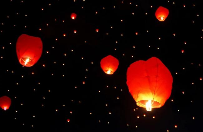 Reminder not to light 'menace' sky lanterns in support of NHS and key workers