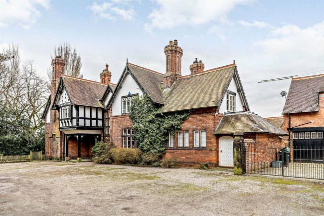 Bostock House, on the edge of Middlewich, could be yours for just shy of £1 million Pictures: Zoopla